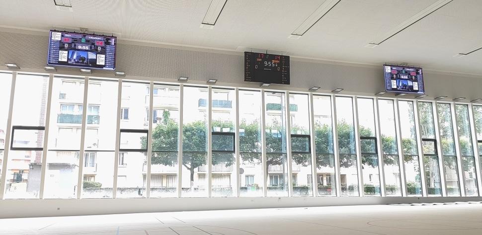 Ecran vidéo LED intérieur 7m² stramatel cité des sports issy les moulineaux
