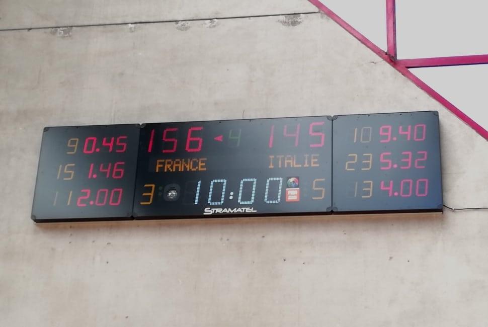 tableau de score stramatel 452 MB 3104 pour le gymnase nouvelle france de la ville de Calais
