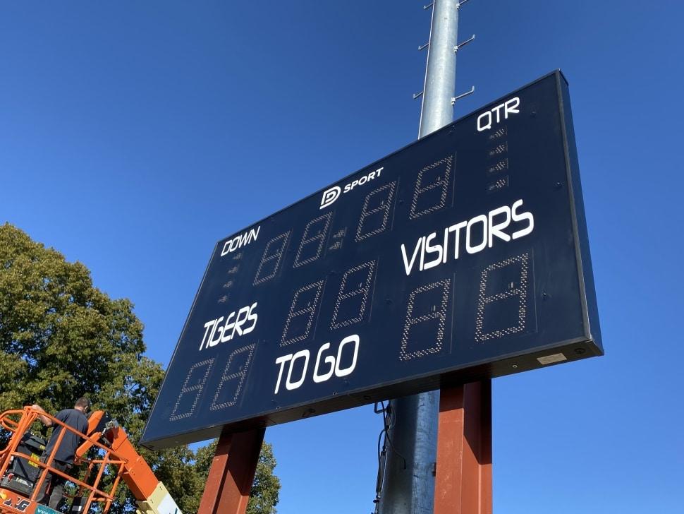 panneau d'affichage des scores stramatel fra us pour le football américain pour le club des brussels tigers d'evere